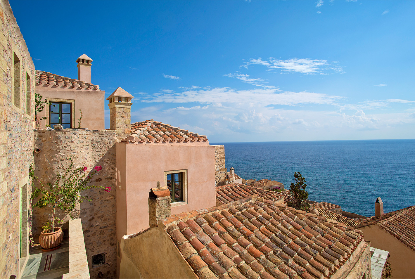 monemvasia hotels - Moni Emvasis Luxury Suites